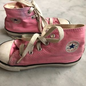 Girls Pink Coverse High Tops